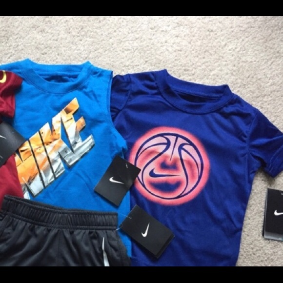 best service 660b3 fab84 2T Toddler boy Nike Shirts NWT